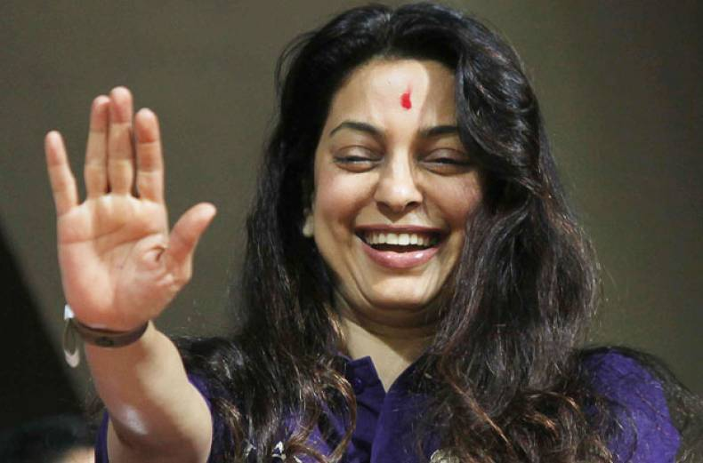 kolkata-knight-riders-co-owner-juhi-chawla-waves-to-the-crowd