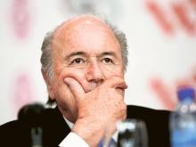 Watchdog suspends Blatter, Platini