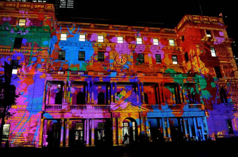 the-sydney-customs-house-building-is-transformed-with-a-3d-digital-projection