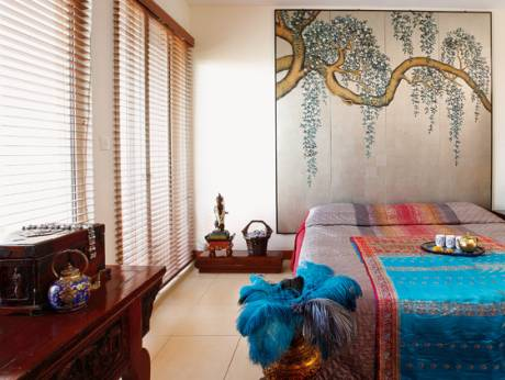 Arabian ranches home boasts asian decor with a twist for Arabic home decoration