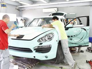 Car foiling in the UAE