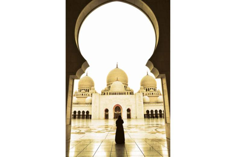 gerry-angeles-took-this-photo-on-a-trip-to-shaikh-zayed-grand-mosque