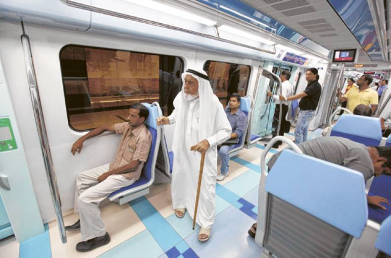 passengers-on-the-new-green-line-of-dubai-metro