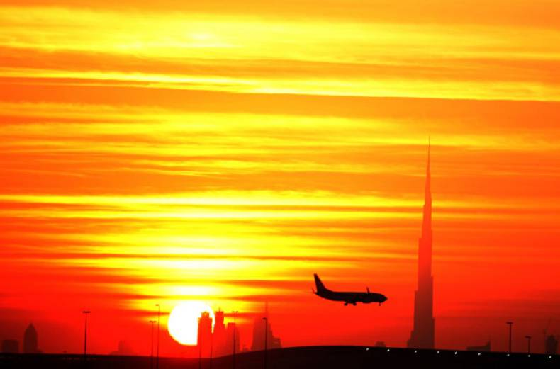 the-last-sunset-of-2011-is-seen-from-al-rashidia-dubai