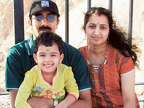 Rijesh with wife Sreesha and daughter Avantika