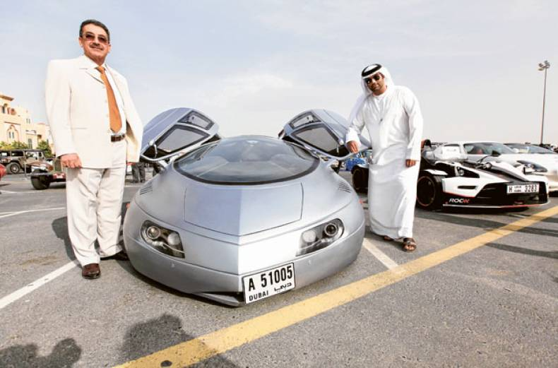 students-show-off-their-glitzy-cars