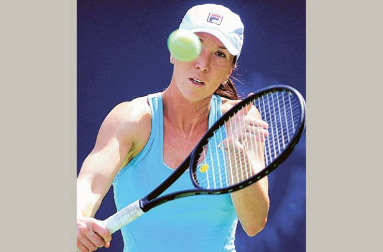 jelena-jankovic-practises-before-the-start-of-the-dubai-duty-free-tennis-championships