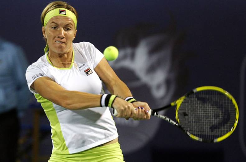 swetlana-kuznetsova-in-action-during-the-dubai-duty-free-tennis-championships