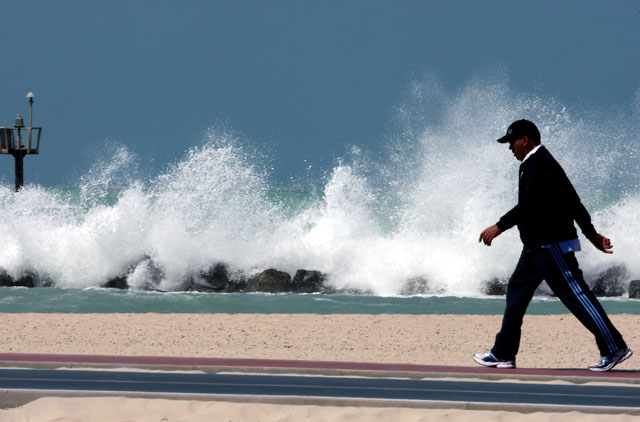 High waves triggered by strong winds