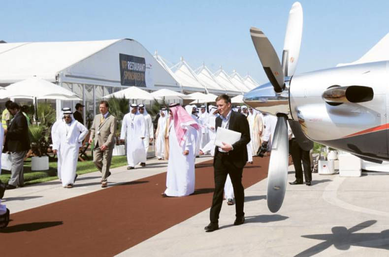 visitors-and-officials-tour-the-abu-dhabi-air-expo-2012