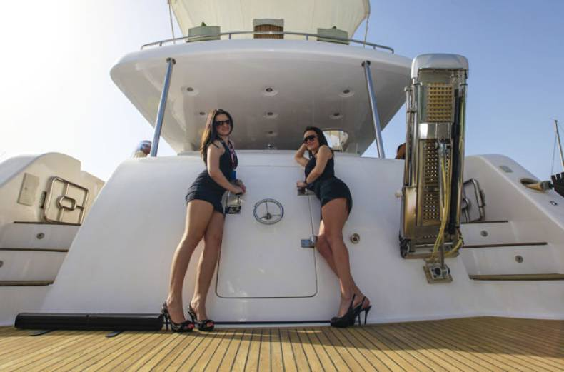 2012-dubai-international-boat-show